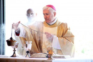 Bishop Daniel Thomas incensing during Mass